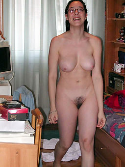 nude hairy amateur pic