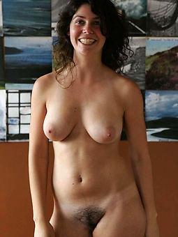 hairy nude beauties porno pics