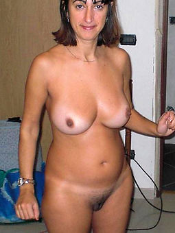 soft brunette milf free porn pics