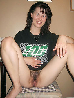 hairy brunette pussy porn pic
