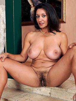 hairy brunette hot porn show