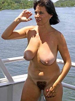 hairy brunette porno