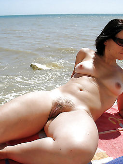 xxx hairy outdoor pussy