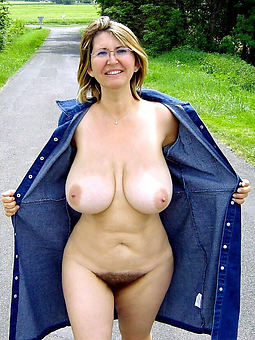 hairy pussy out of pocket nude gallery