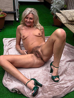 beautiful hairy pussy outdoors