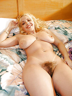 hairy blonde pussy and still XXX