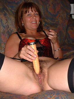 nice Victorian milf masturbation pics