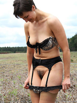 sexy hairy women outdoors amature sex pics