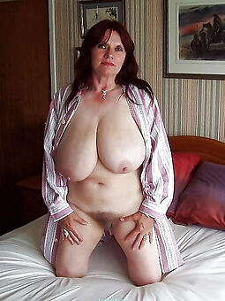 hairy pussy big tits amature porn