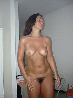 hairy girlfriend sex pictures