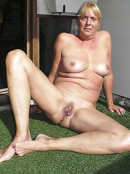 flimsy housewife pics