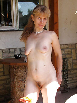 porn pictures of amateur unshaved nude women