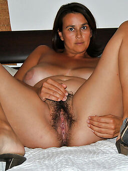 hotties naked hairy brunette