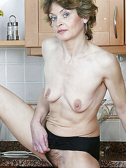 wet hairy housewife pussy amature sex pics
