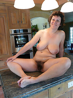 hot hairy housewife pussy free porn pics