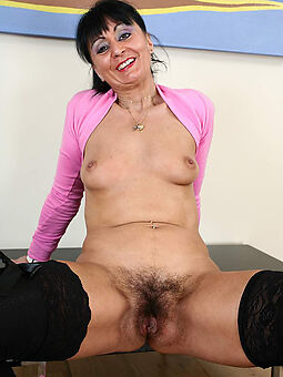 sexy hairy amateurish solo stripping