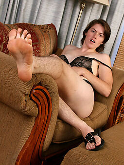 shorn girl with hairy legs free porn pics