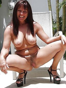 hairy ill-lit milf amature sex pics