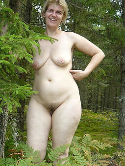 hot hairy open-air pussy Bohemian porn pics