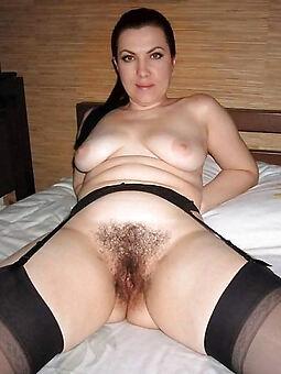 sexy hairy moms free porn pics