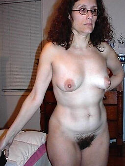 unadulterated hairy housewife pussy free porn pics