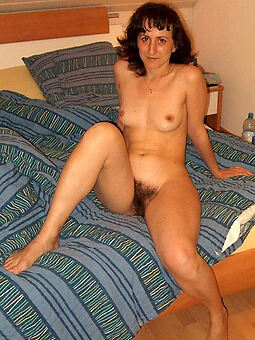 interesting hairy housewife pussy pics
