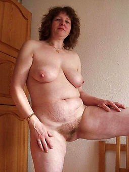 reality hairy housewife pussy photo