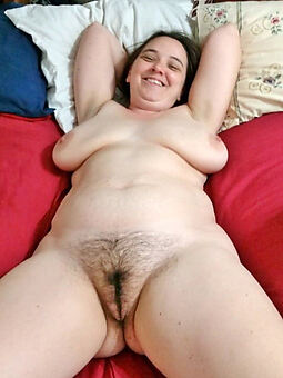 pretty X-rated hairy nudes
