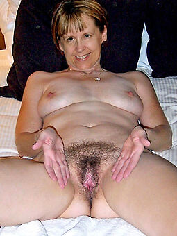 amature hairy pussy housewife photo