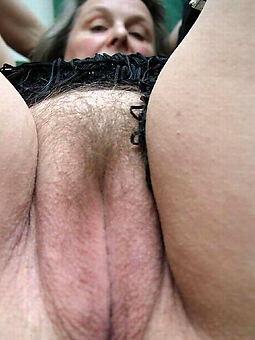 amature big hairy pussy pics
