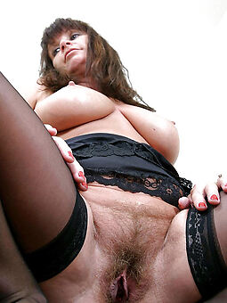 girls with hairy pussy free porn pics