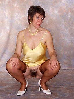hairy mature upskirt sexy porn pics