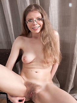 nice hairy milf pictures