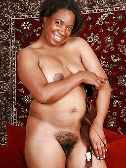 ideal hairy ebony nude