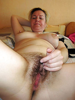 pretty natural hairy vaginas