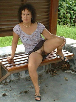 juggs natural hairy babes