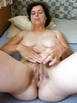 mature moms hairy seduction
