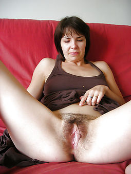 pretty amature hairy moms photos