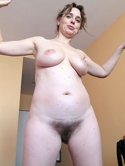 hot pictures of moms soft pussies