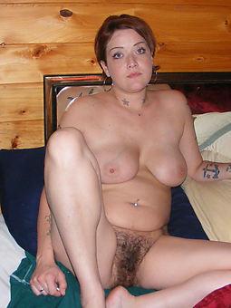 amature hairy nude mom