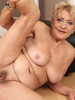 natural old grey hairy pussy