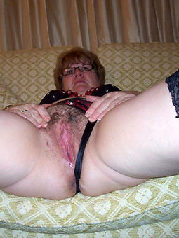hairy girls pussies