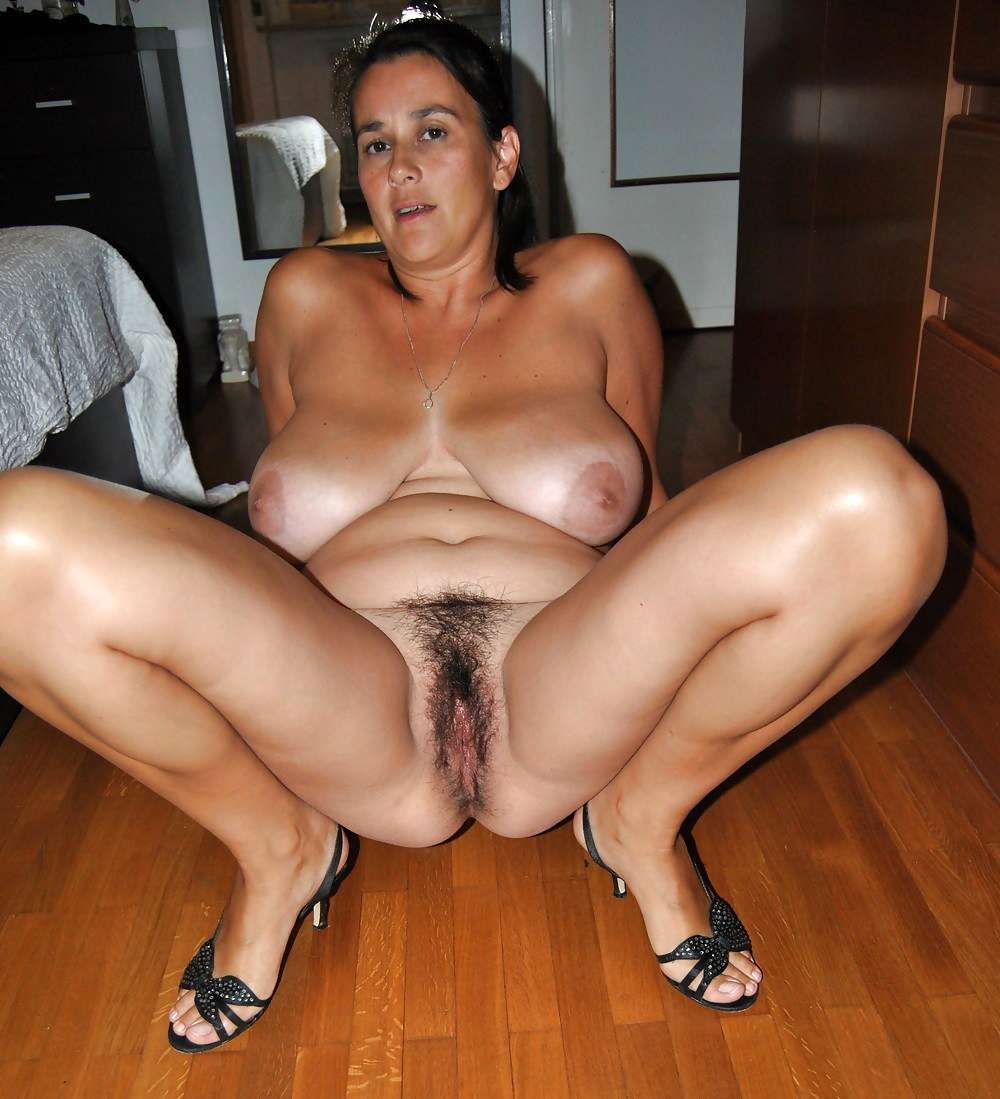 mature moms hairy hot porn show