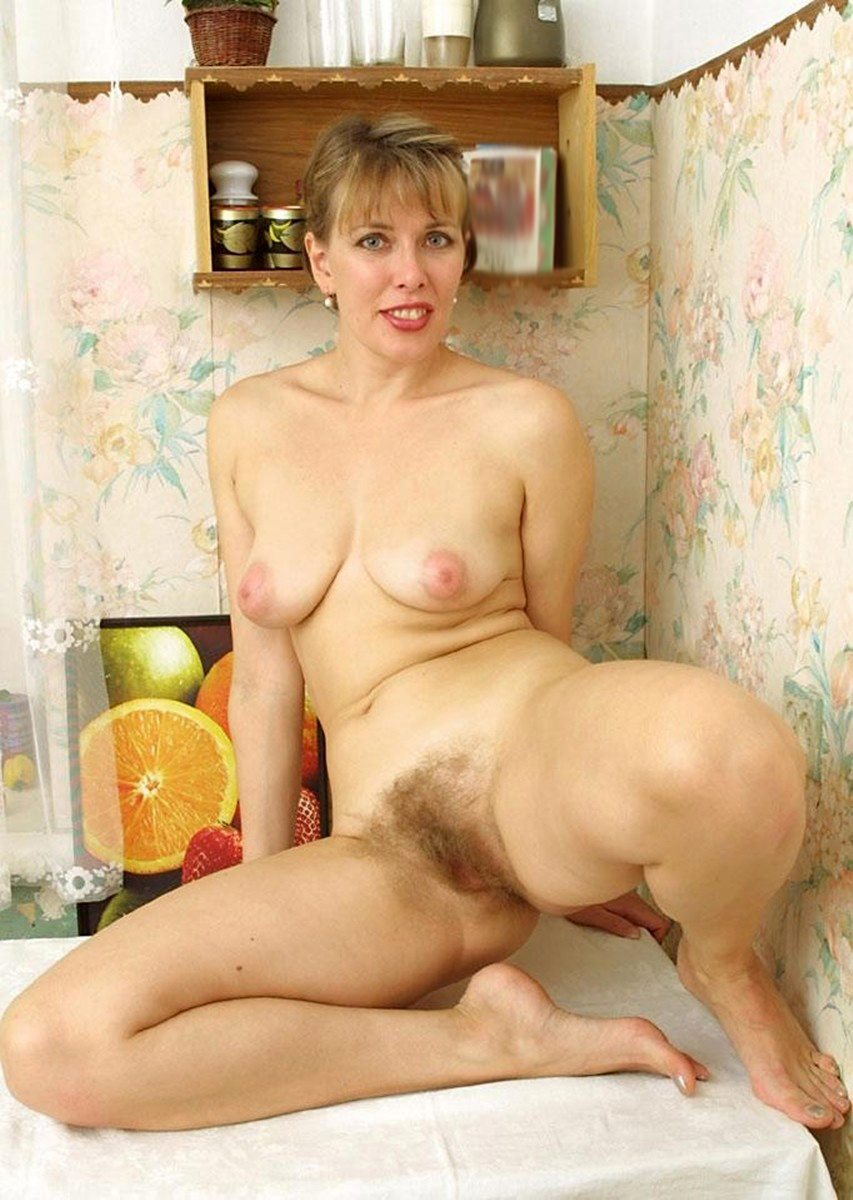 hairy blonde pussy amature sex pics