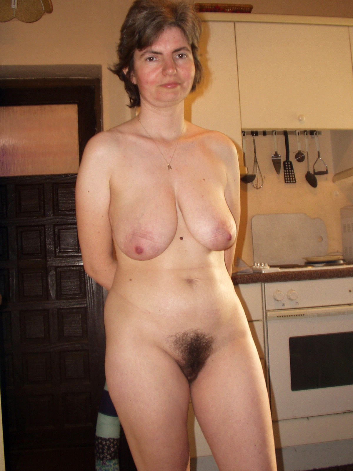 amateur hairy housewife pussy joshing